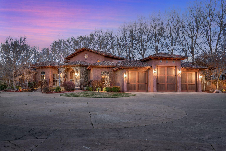 10130 Loretta Drive Nw Property Photo 3