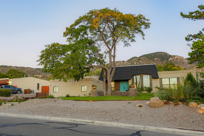 4700 Glenwood Hills Drive Ne Property Photo