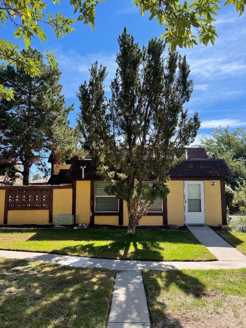 8437 N Heights Road Ne A Property Photo