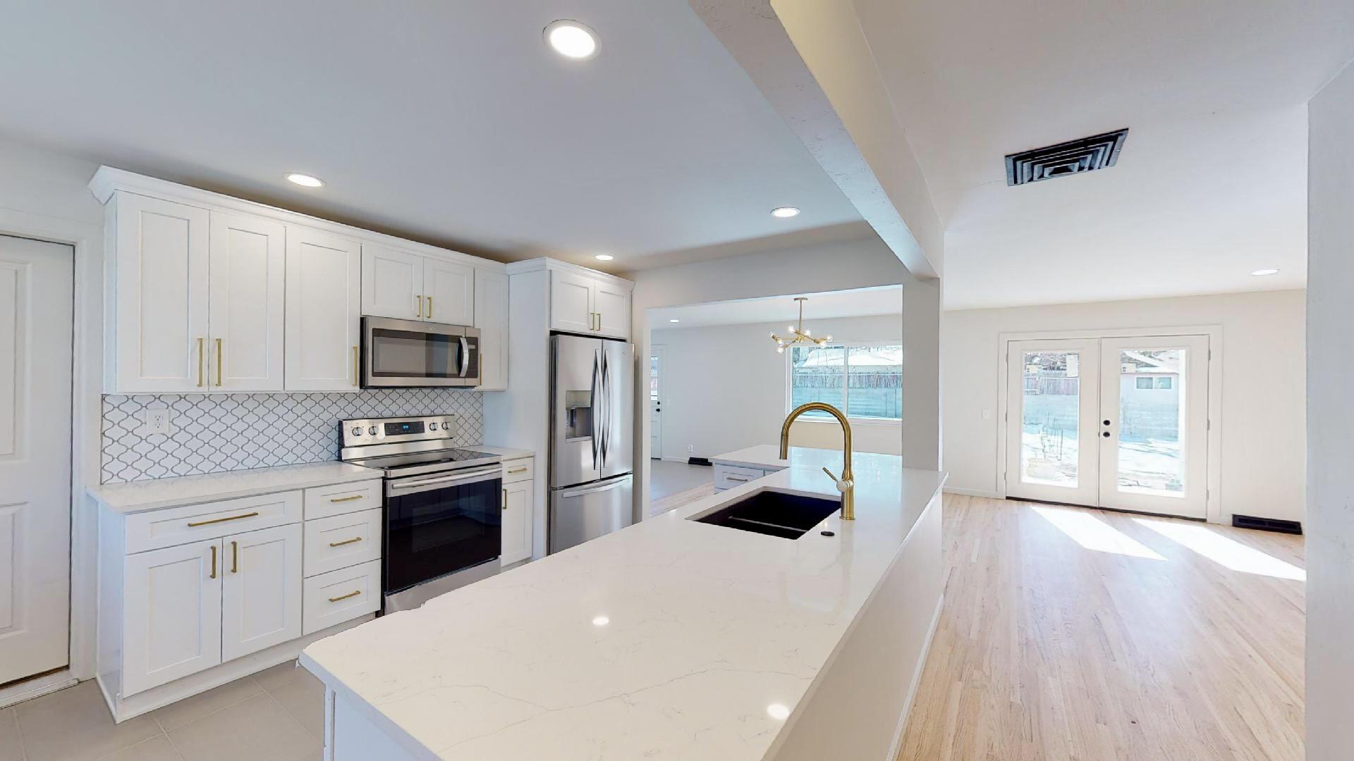 7416 Bellrose Avenue Ne Property Photo 1