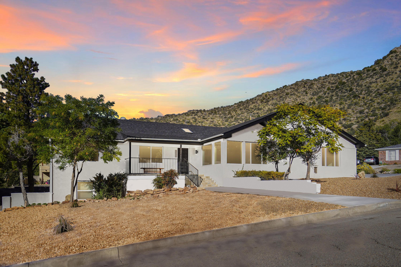 13639 Sunset Canyon Drive Ne Property Photo