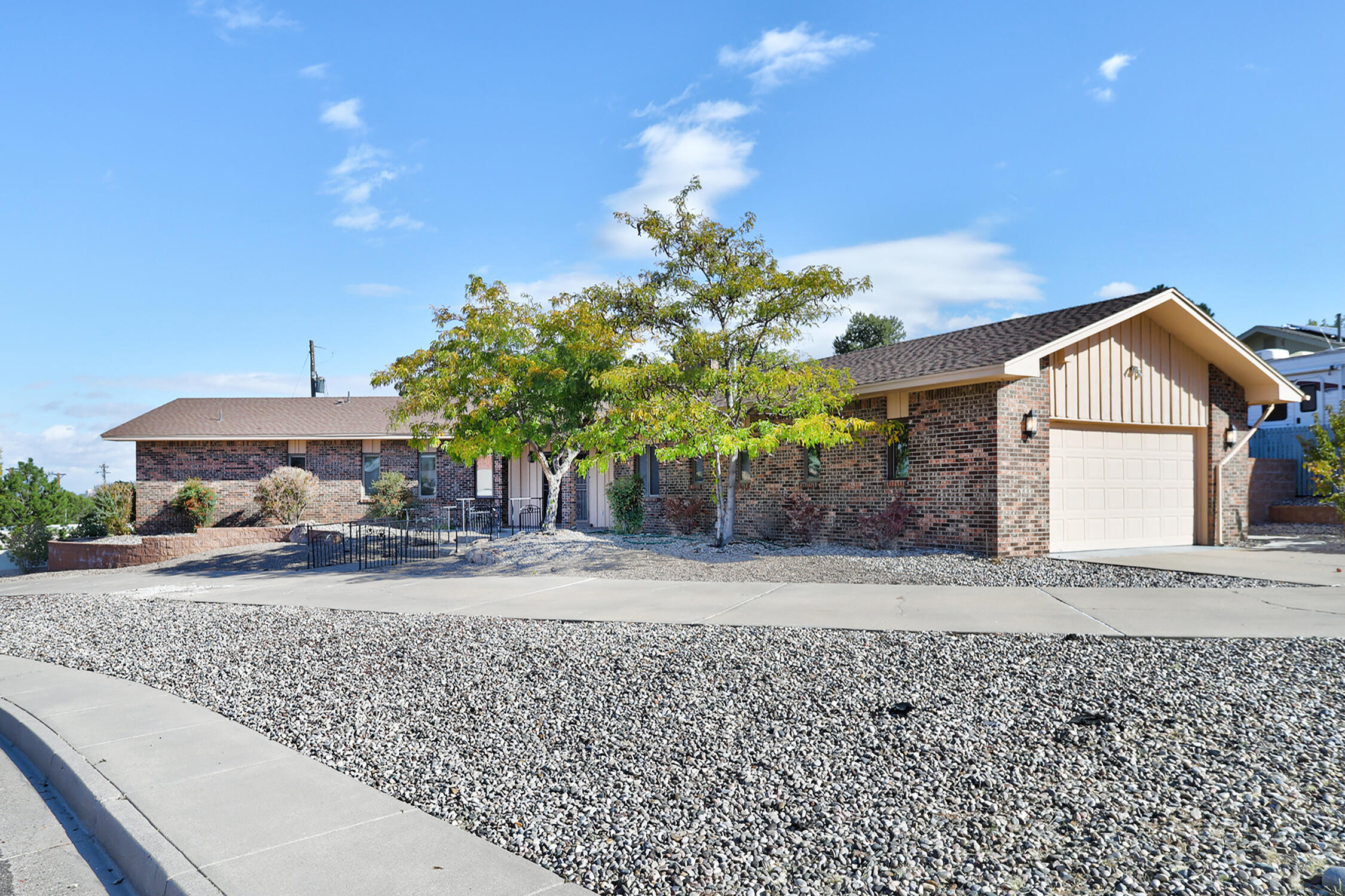 1600 Speakman Drive Se Property Photo 1