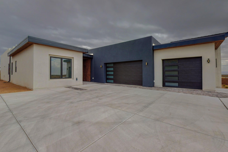 8002 COMPASS Drive Property Photo 1
