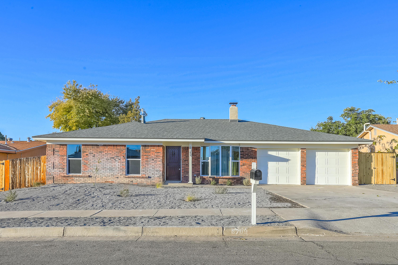 6709 Orphelia Avenue Ne Property Photo