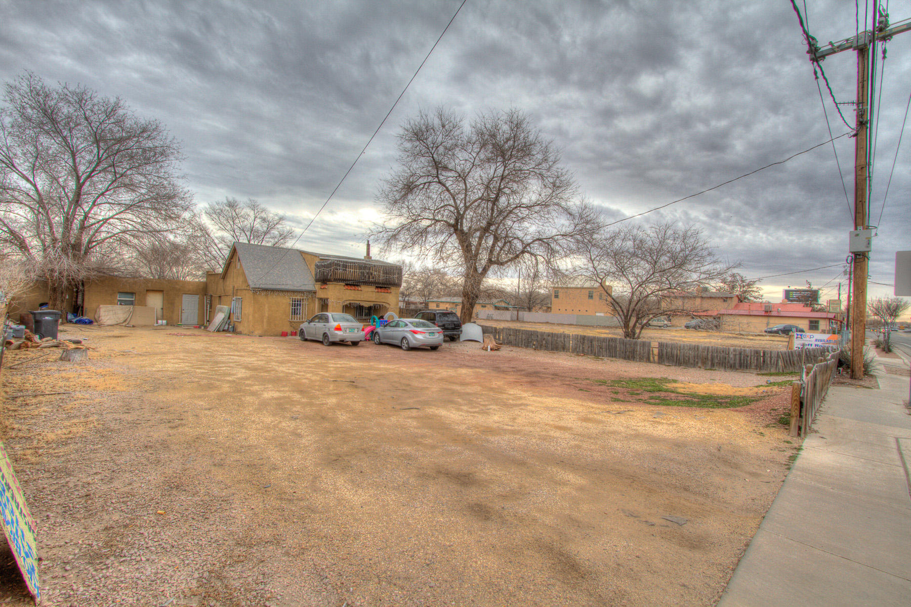2410 Isleta Sw Boulevard Property Photo