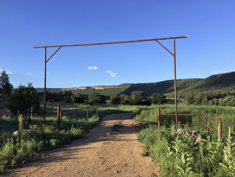 Magic Canyon Park Ranch Property Photo 1