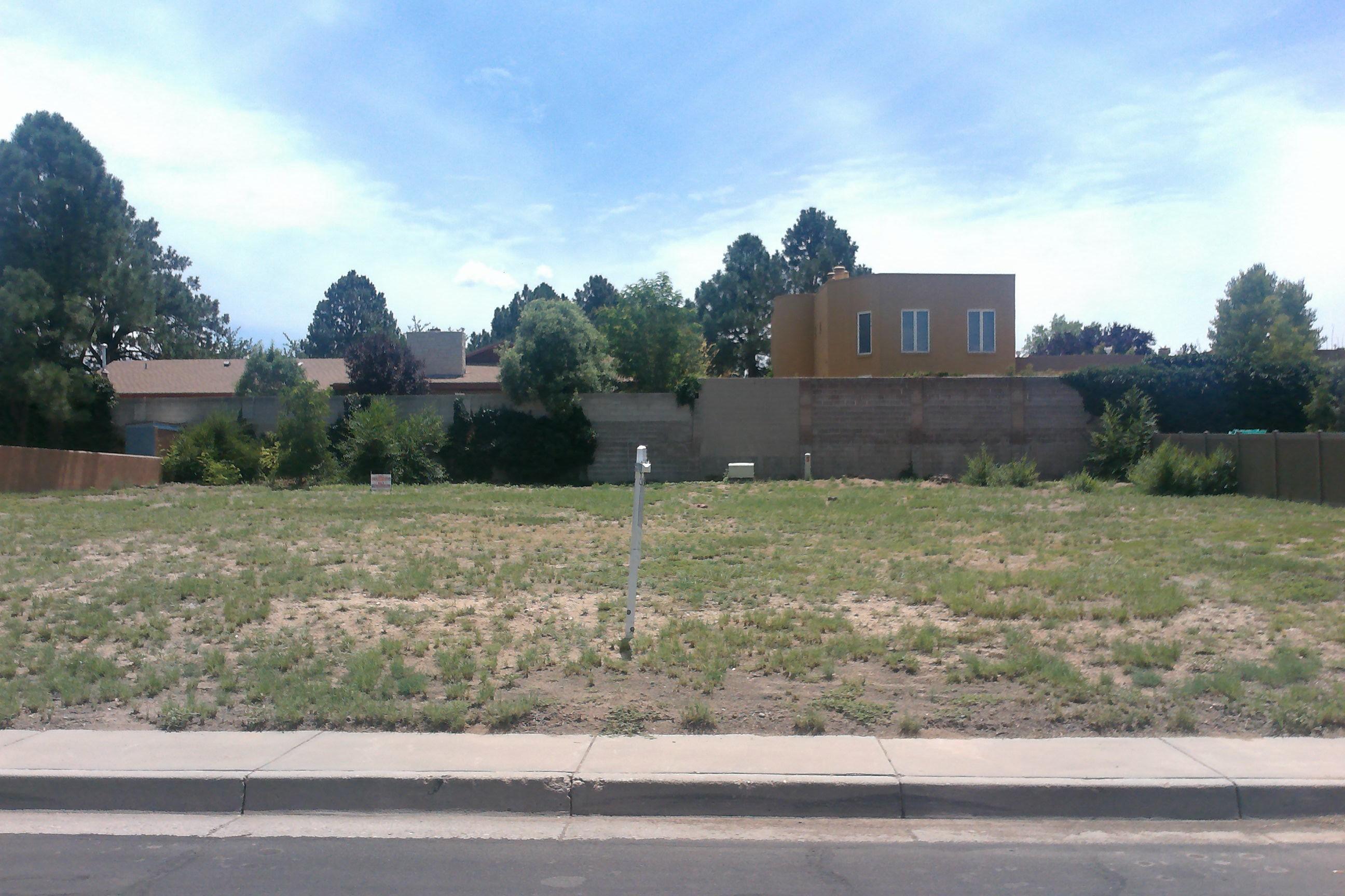 4316 Royene Ne Avenue Property Photo