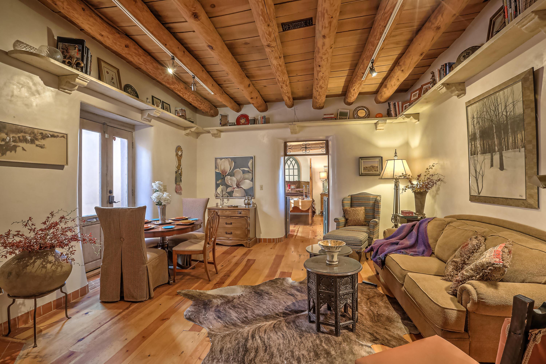 447 Cerrillos Road #5 Property Photo 1