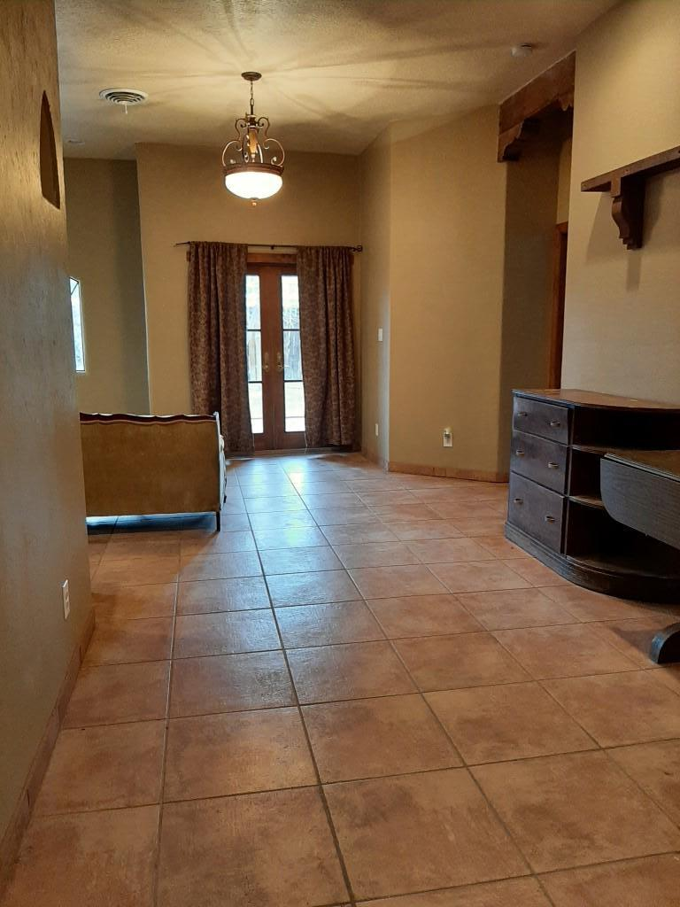 803 Liles Street Property Photo 3