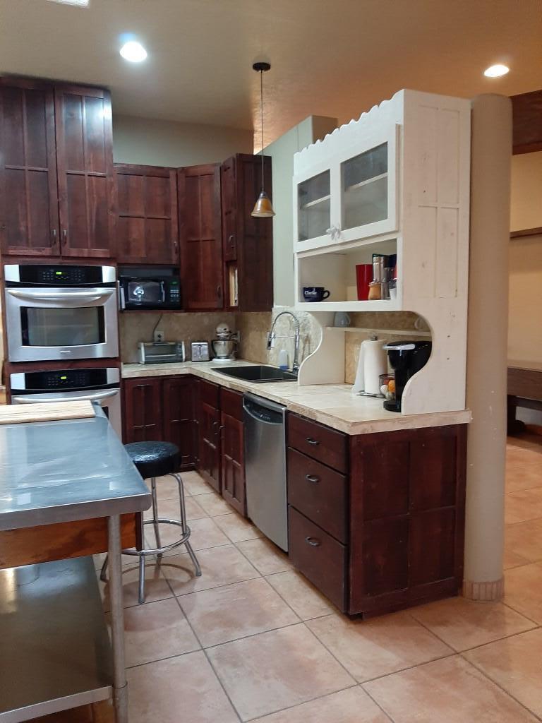 803 Liles Street Property Photo 6