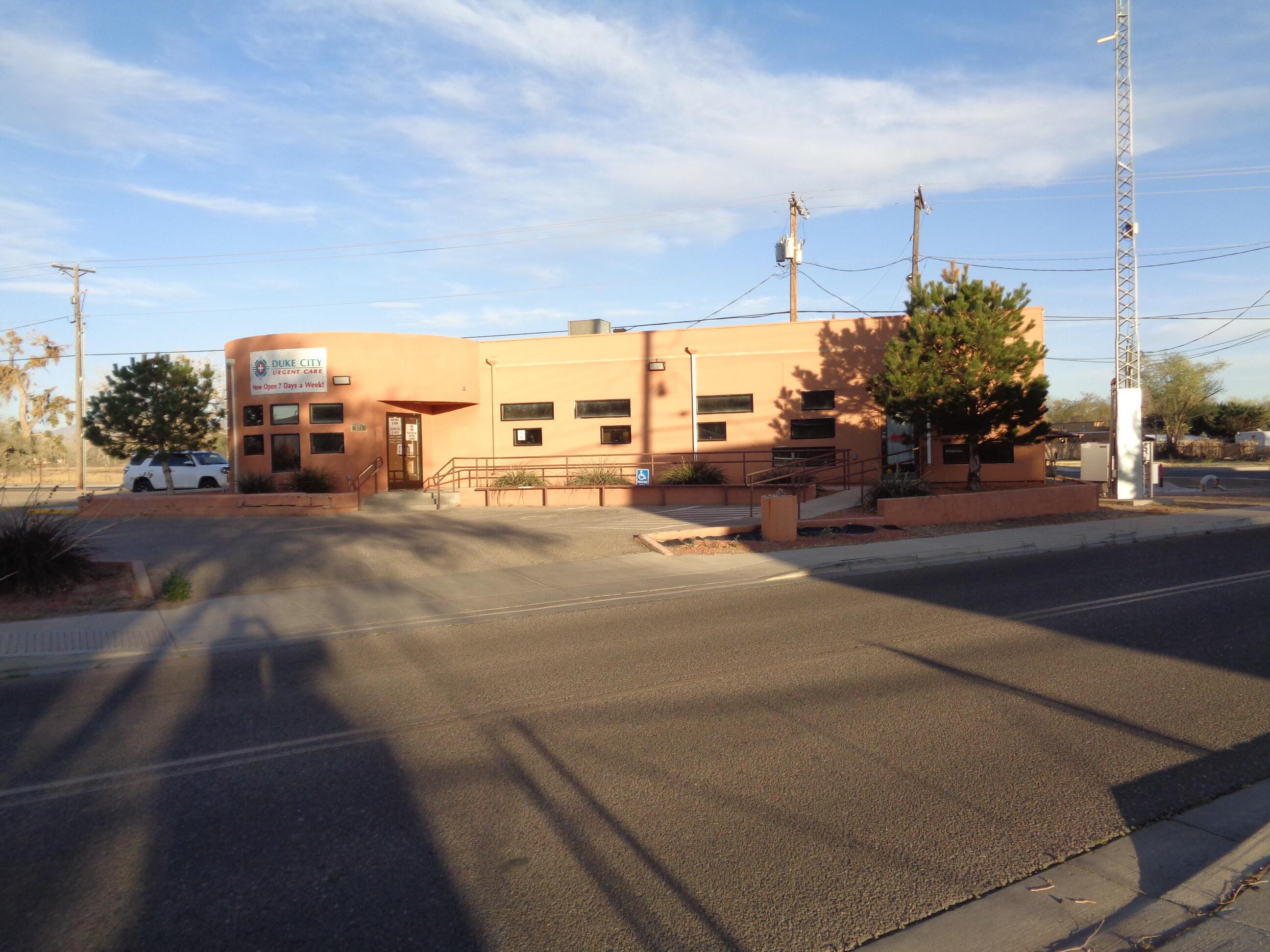 311 Los Lentes Road Se Property Photo