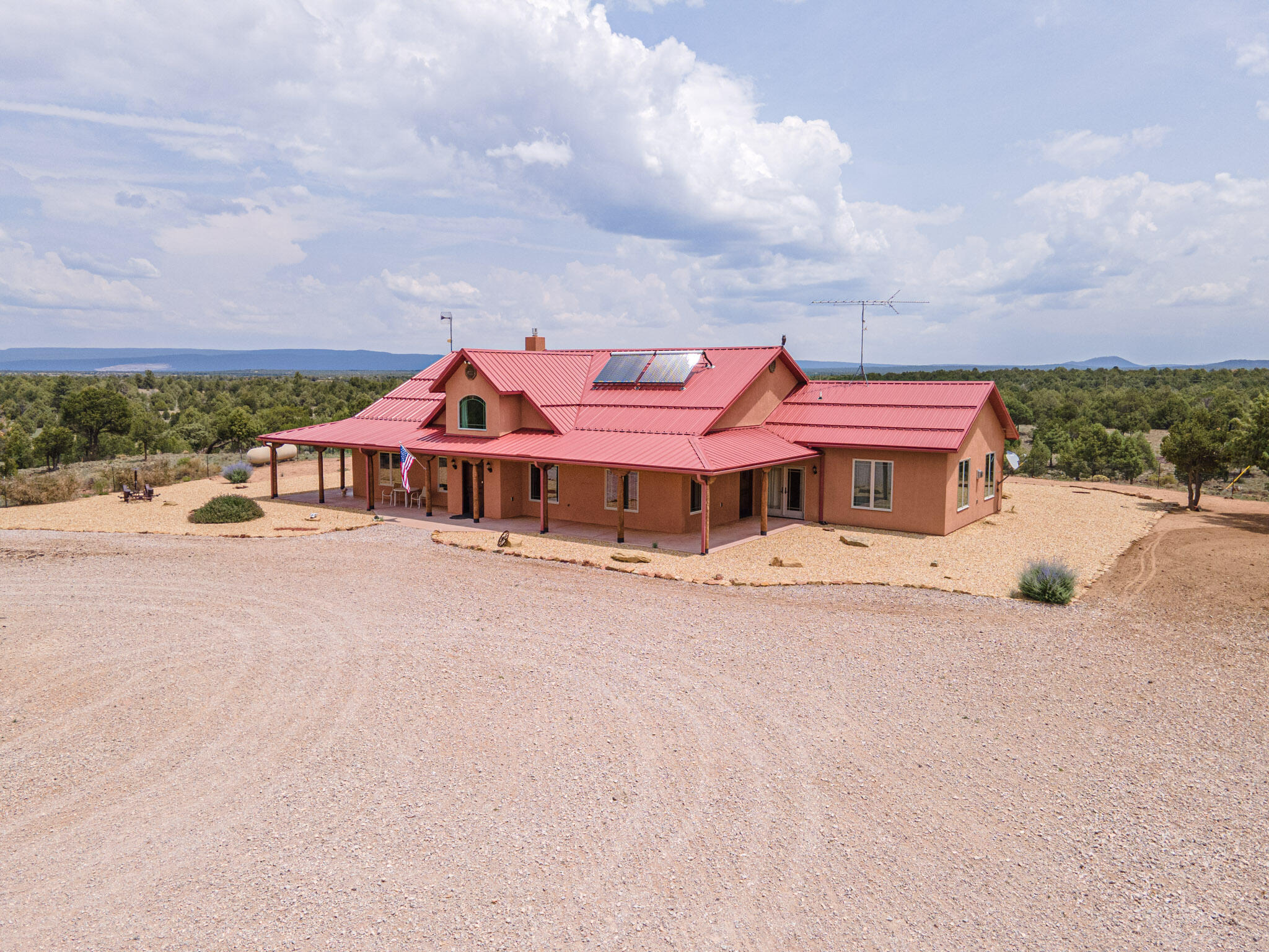 86 James Valley Road Property Photo 1