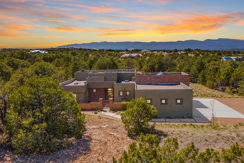 11 Coyote Canyon Trail Property Photo 1