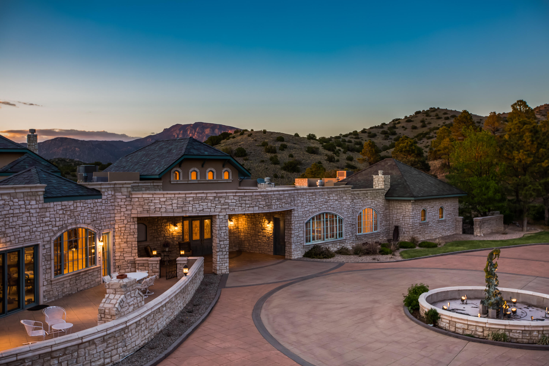 Coyote Canyon Drive Se Property Photo 3