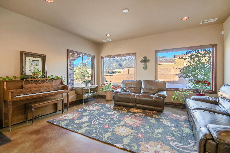 9900 Eagle Rock Avenue Ne Property Photo 19