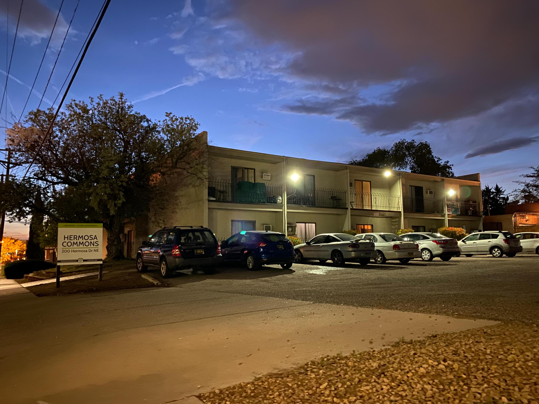 200 Hermosa Drive Ne Property Photo 2