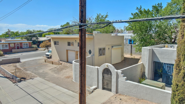 200 Hermosa Drive Ne Property Photo 11