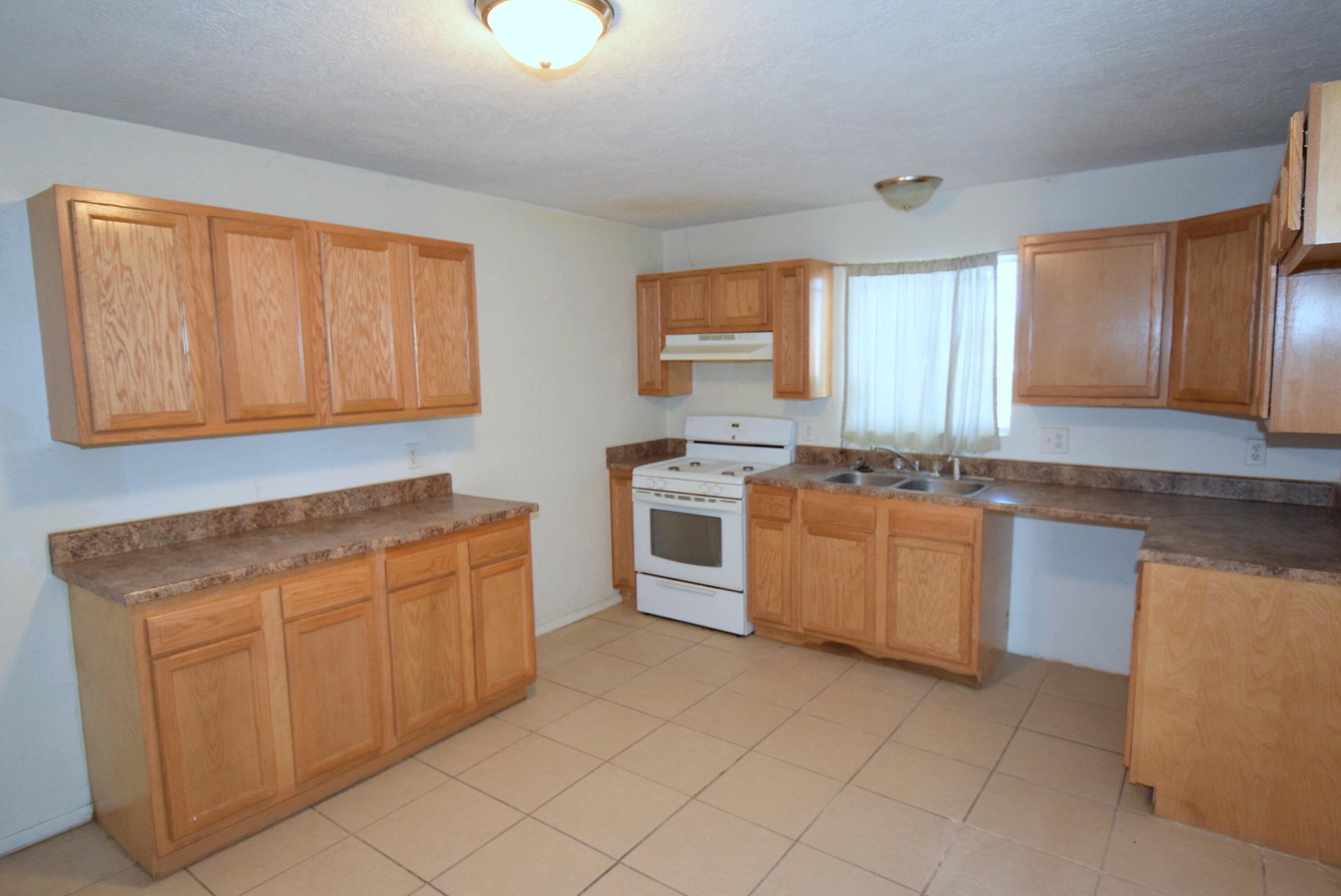 524 Atlantic Avenue Sw Property Photo 4