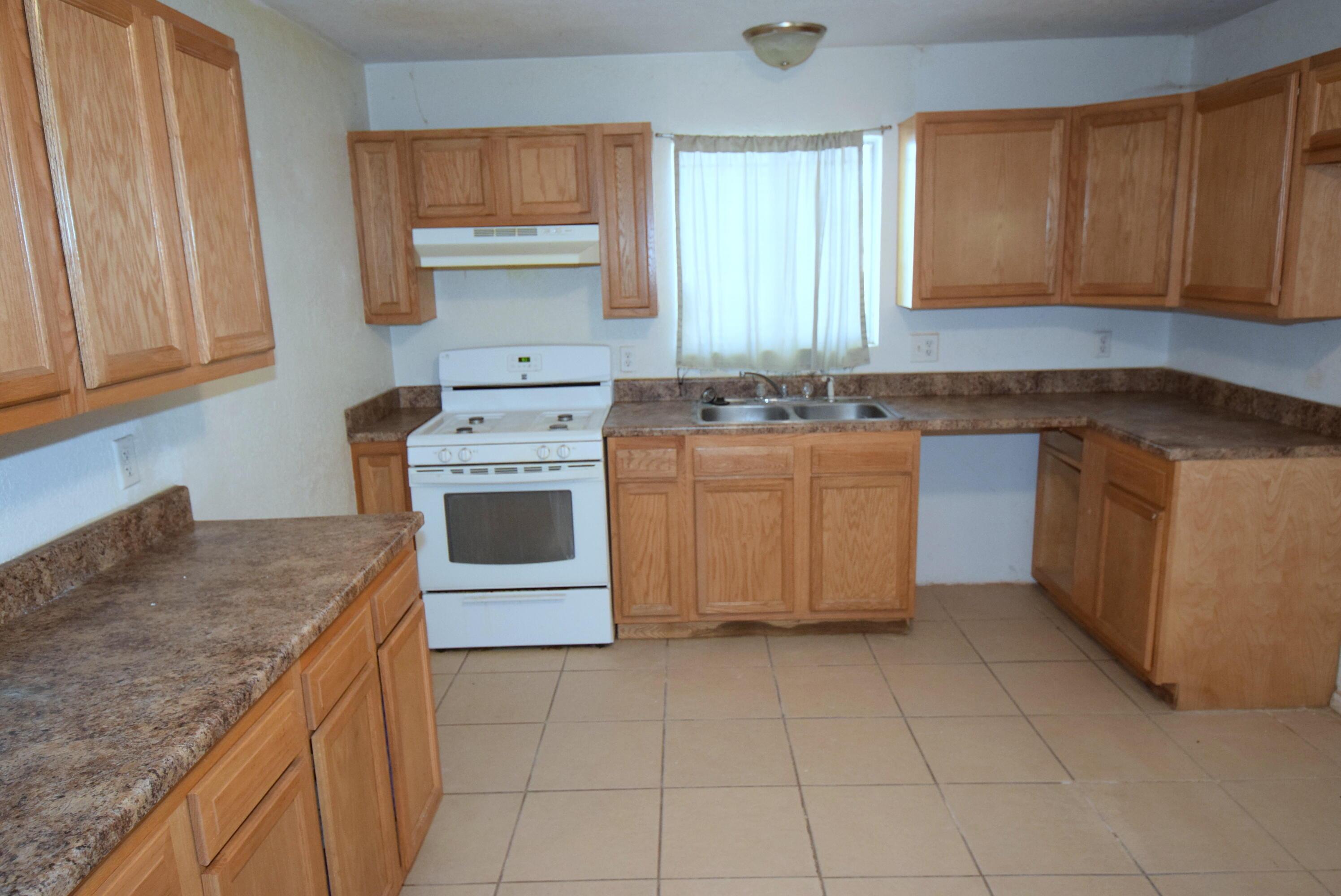 524 Atlantic Avenue Sw Property Photo 5