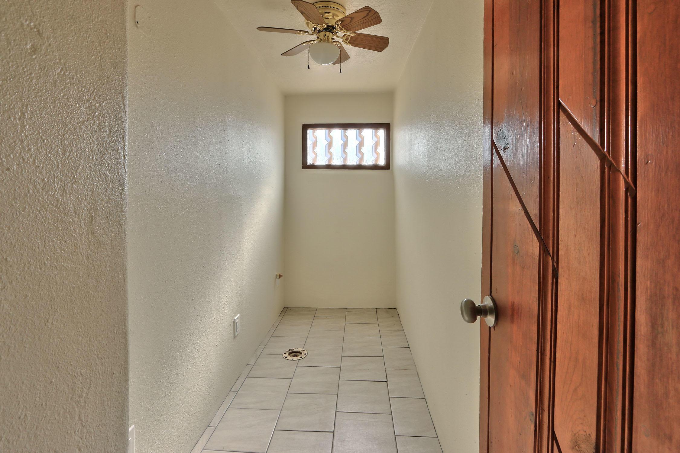 8200 Bates Road Se Property Photo 30