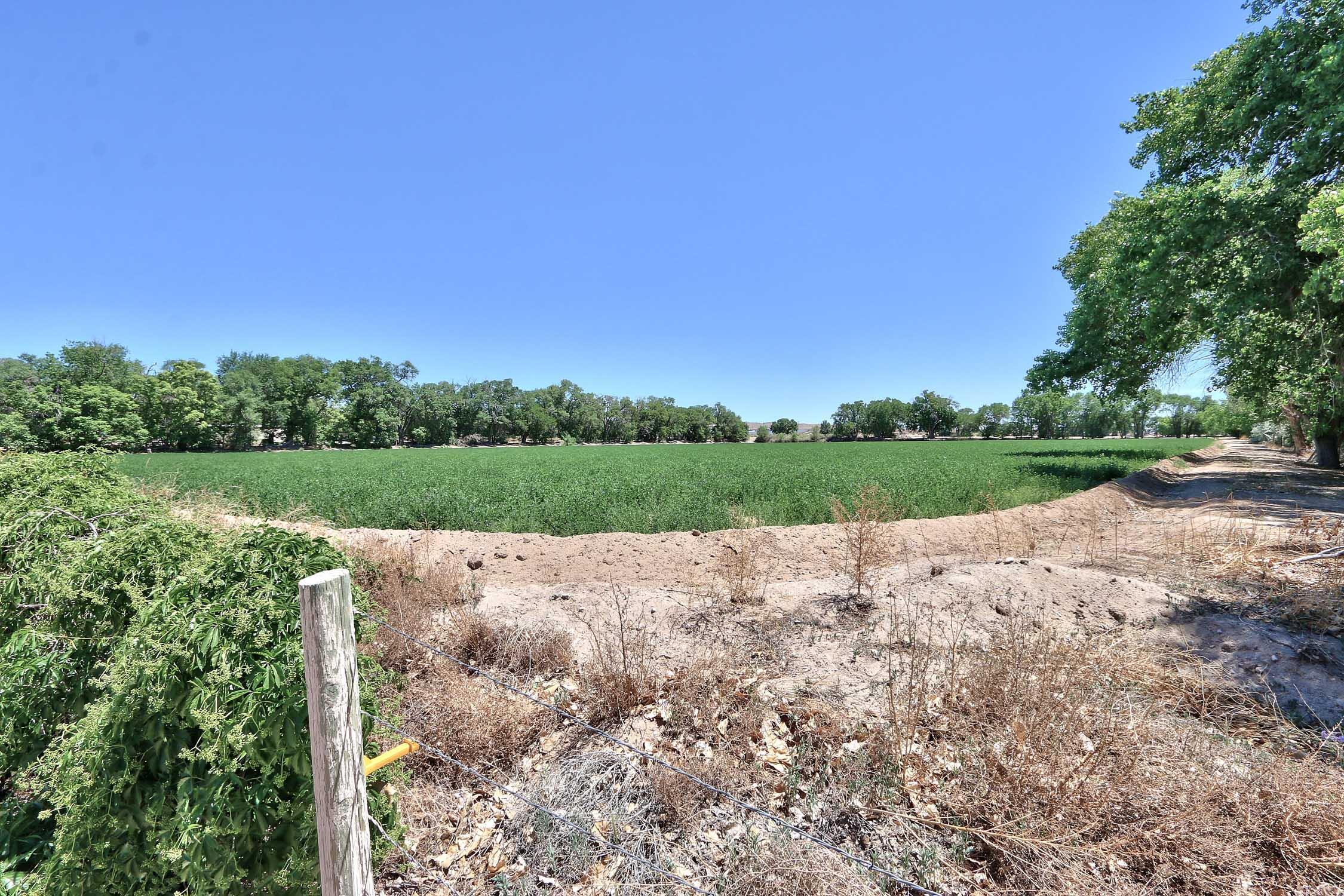 8200 Bates Road Se Property Photo 39