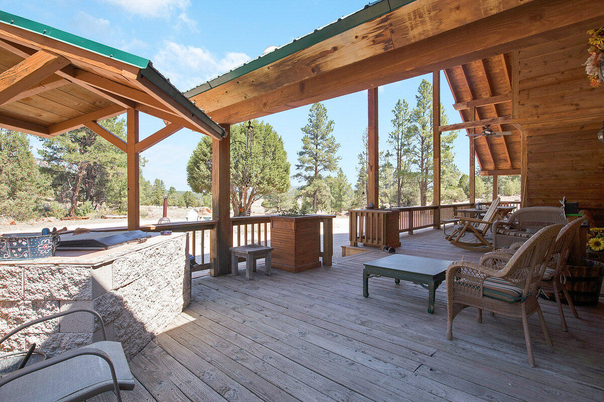 21 Cliff Rose Court Property Photo 10
