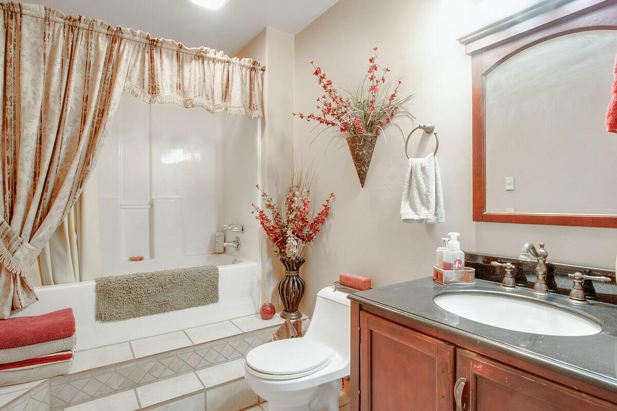 21 Cliff Rose Court Property Photo 31