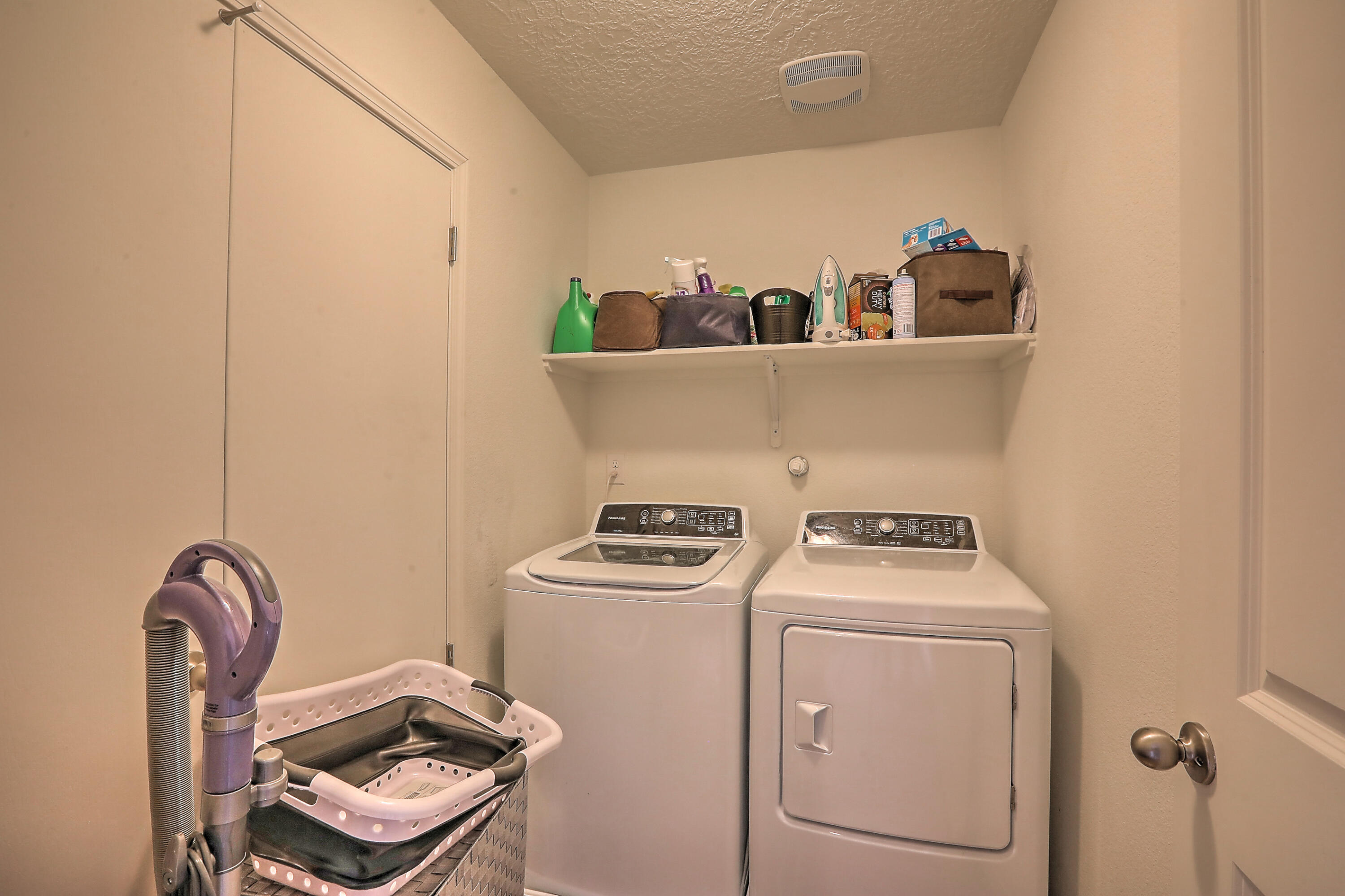 9327 SILVER MESA Street NW Property Picture 12