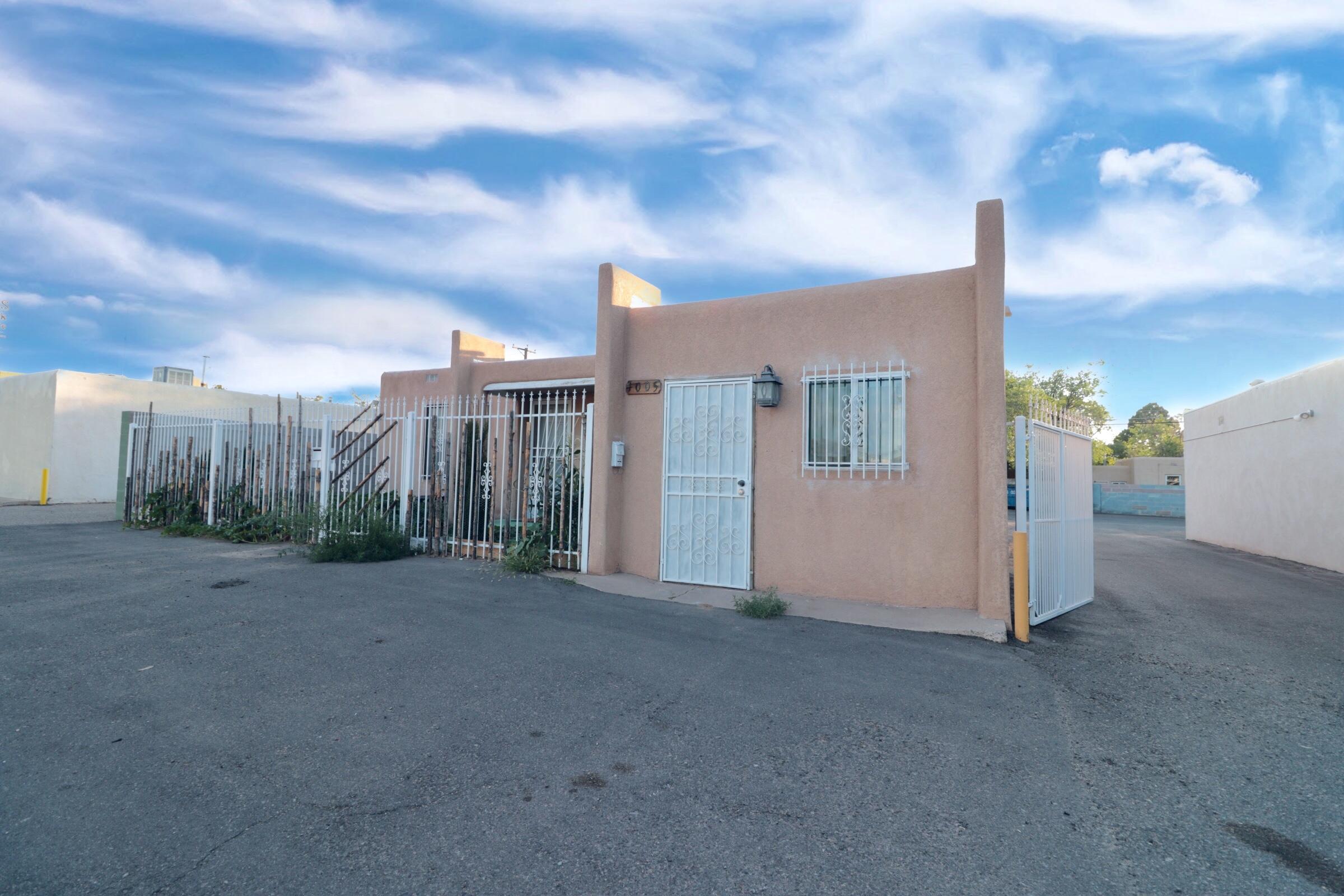 1007 San Mateo Boulevard Se Property Photo 12