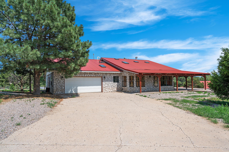 17 RAVEN Road Property Photo 1