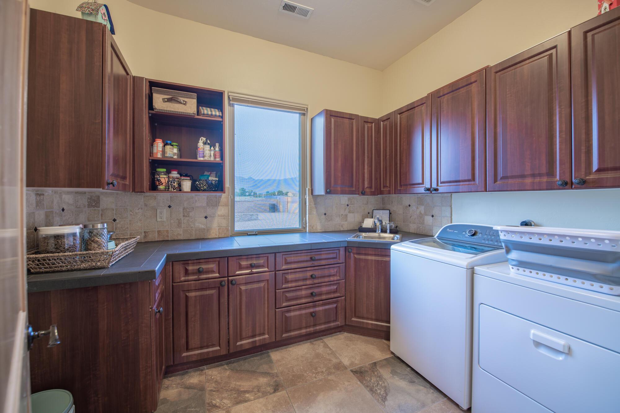 10000 Signal Avenue Ne Property Photo 56