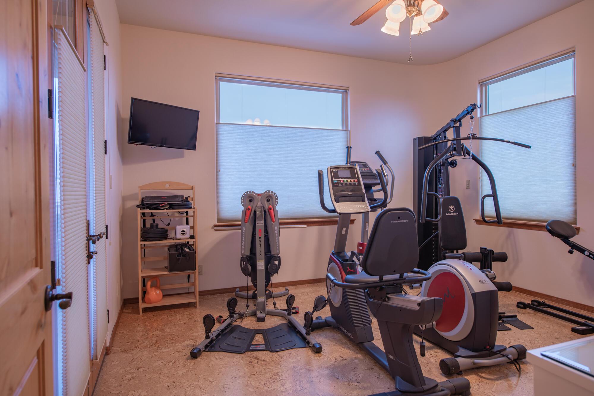 10000 Signal Avenue Ne Property Photo 81