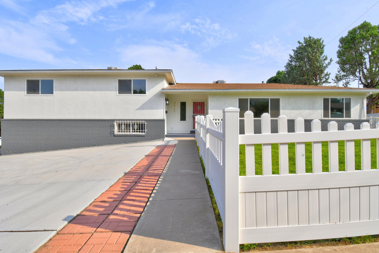 3525 Haines Avenue Ne Property Photo 1