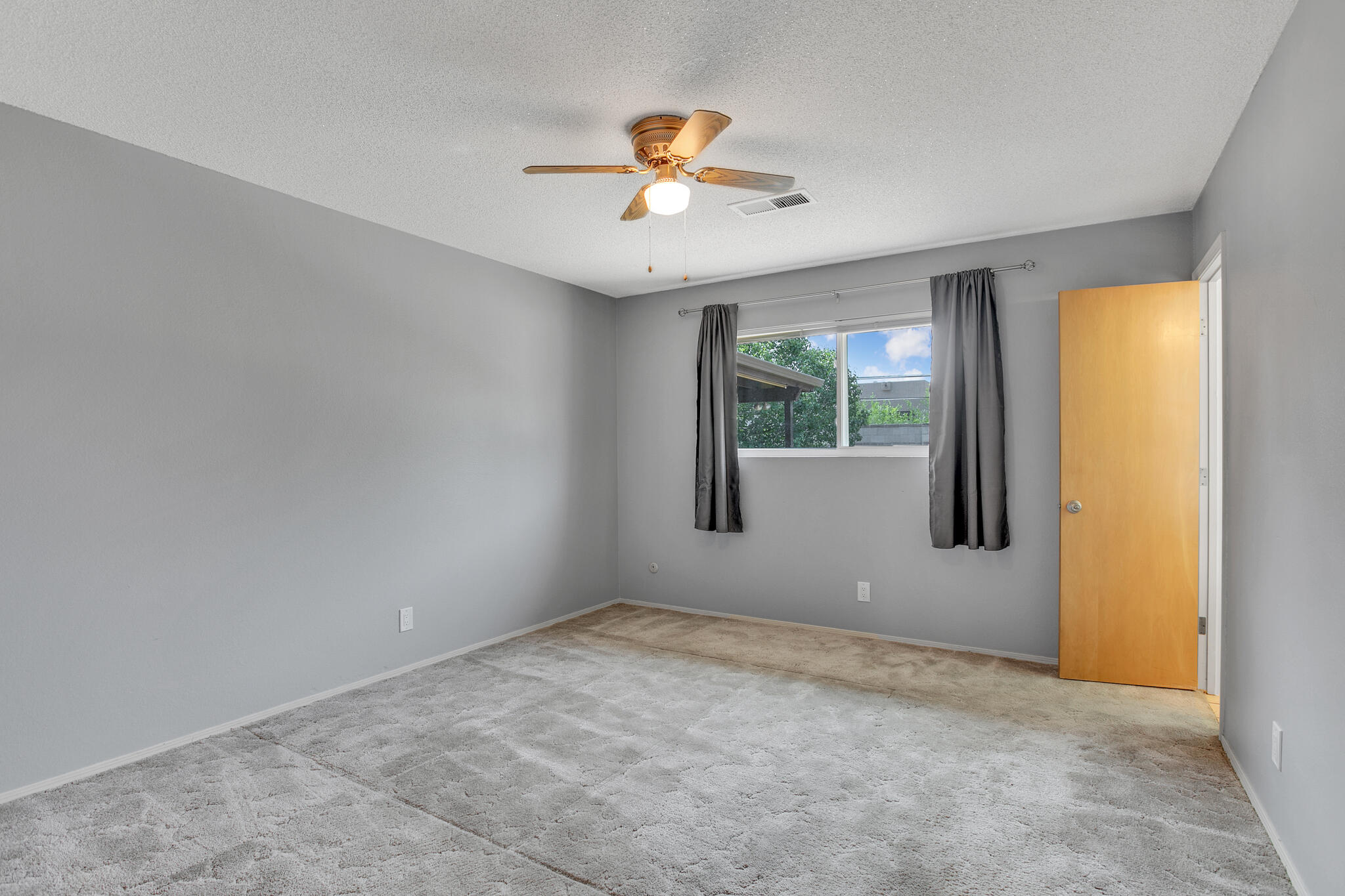 6504 Baker Ne Avenue Property Photo 18