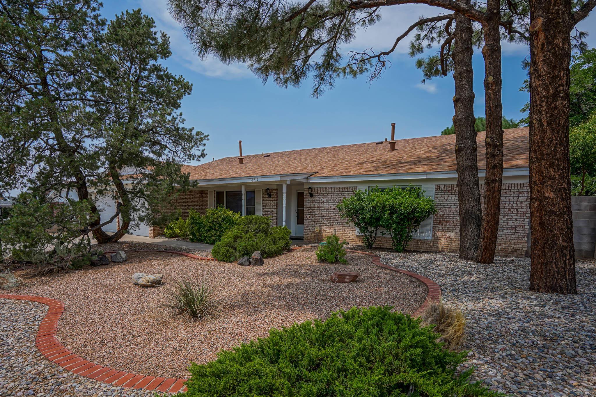 8711 Delamar Ne Avenue Property Photo