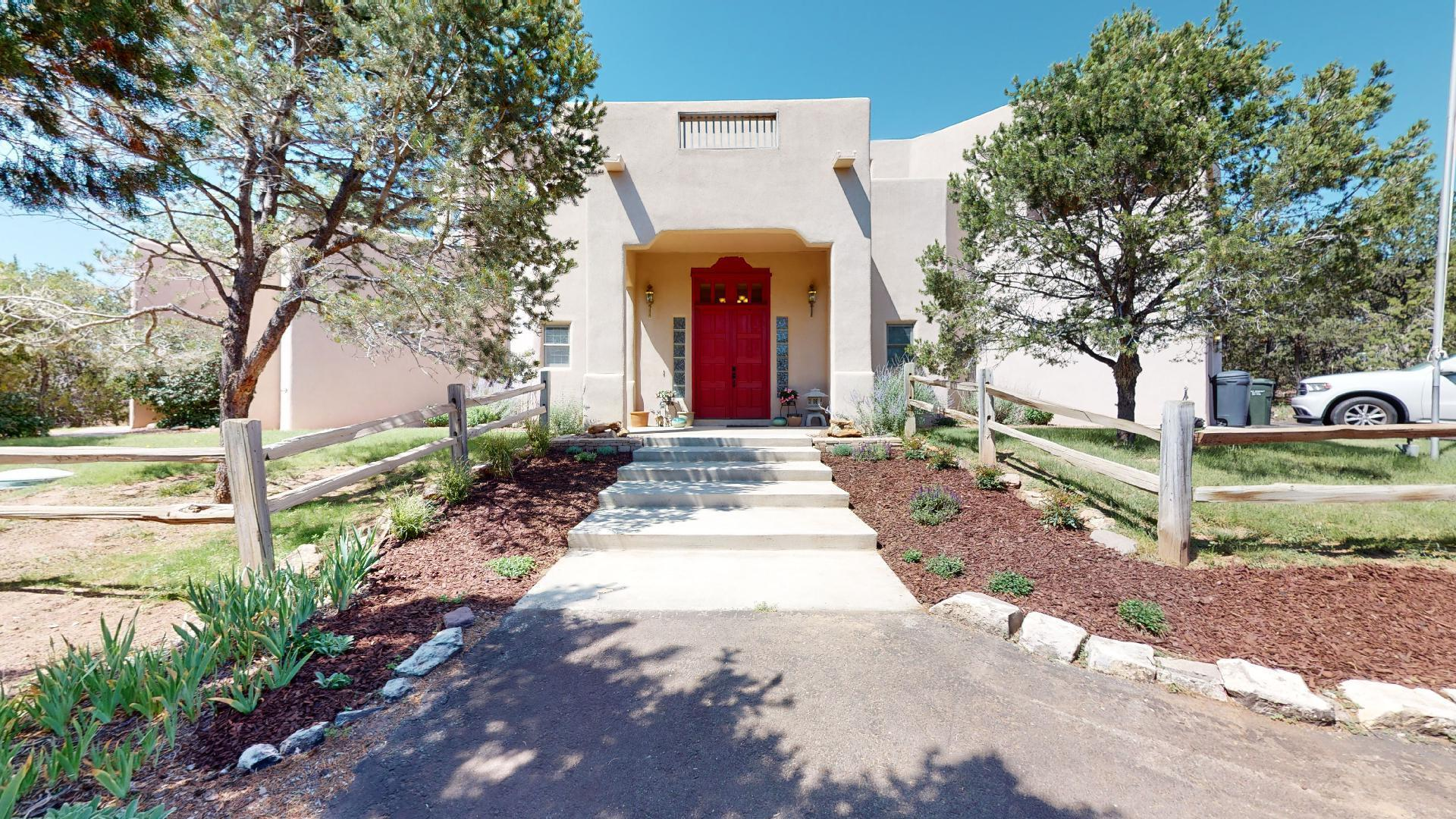 31 Sandia Mountain Ranch Drive Property Photo 1