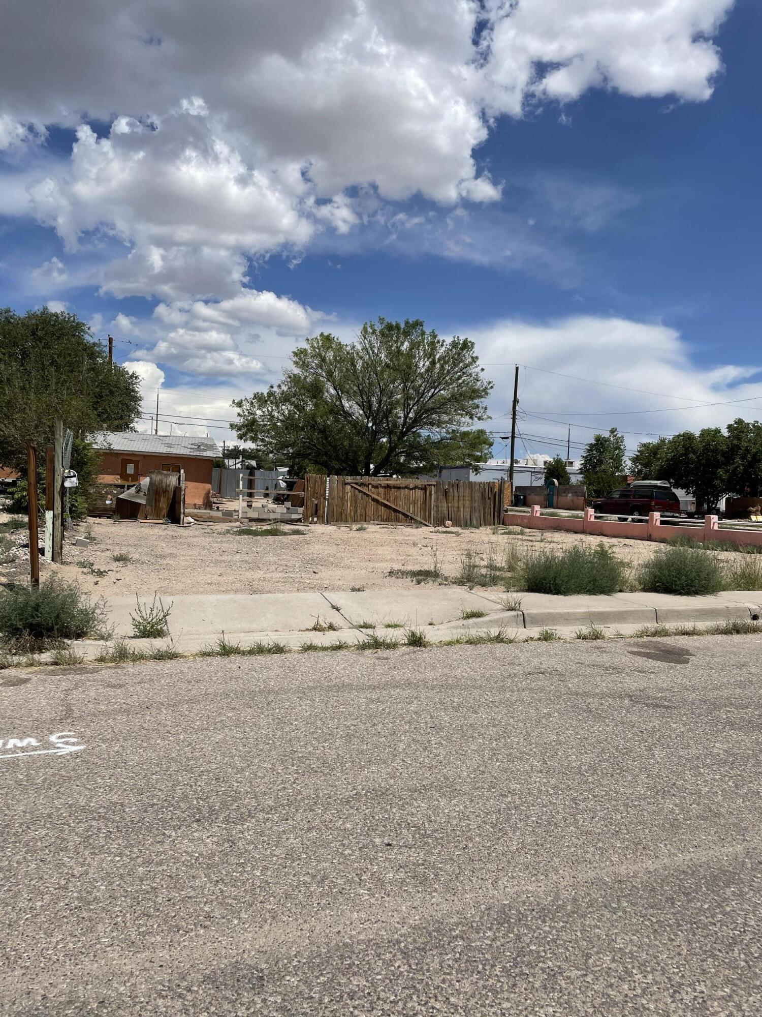 1512 John Street Se Property Photo