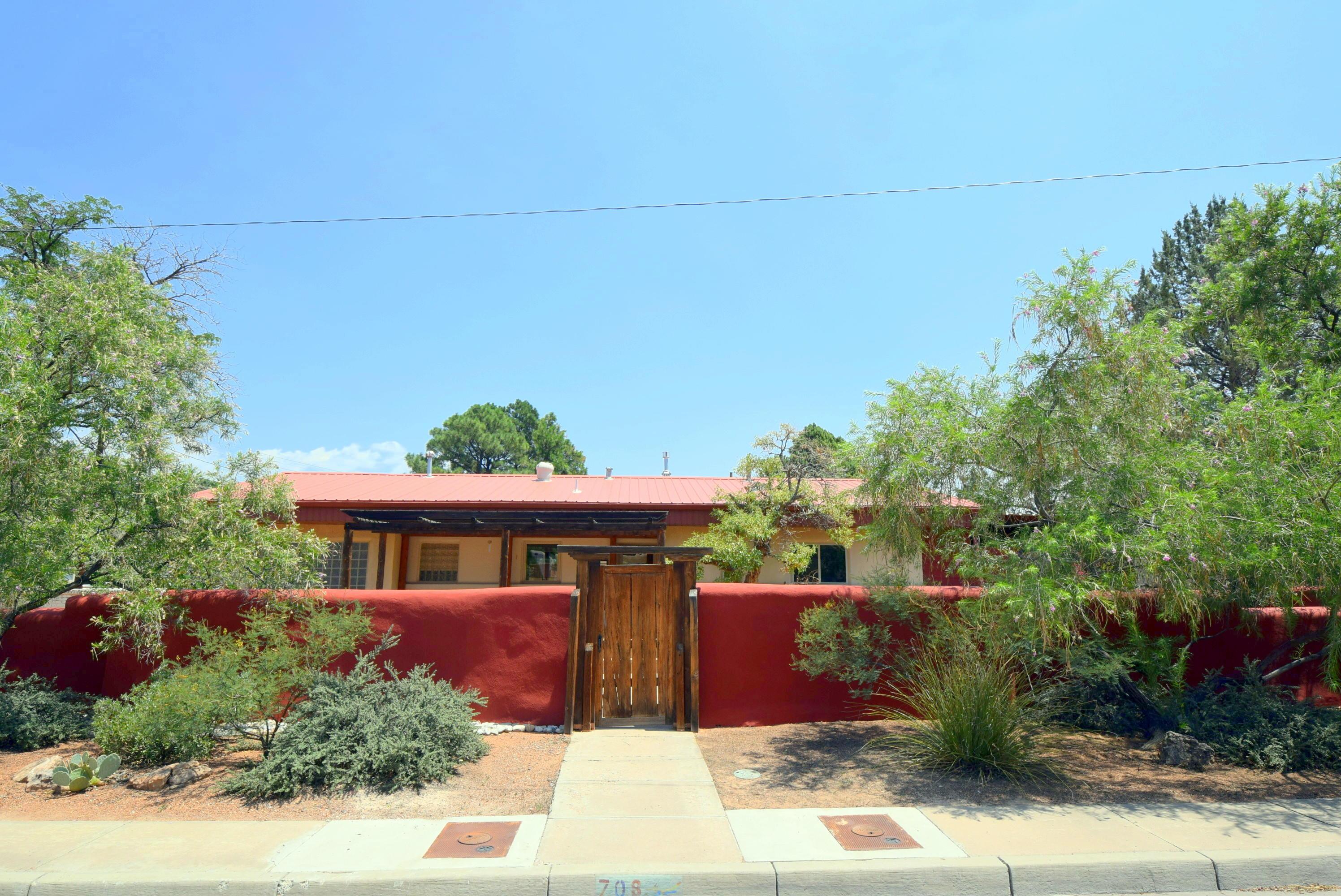 708 Morningside Drive Se Property Photo