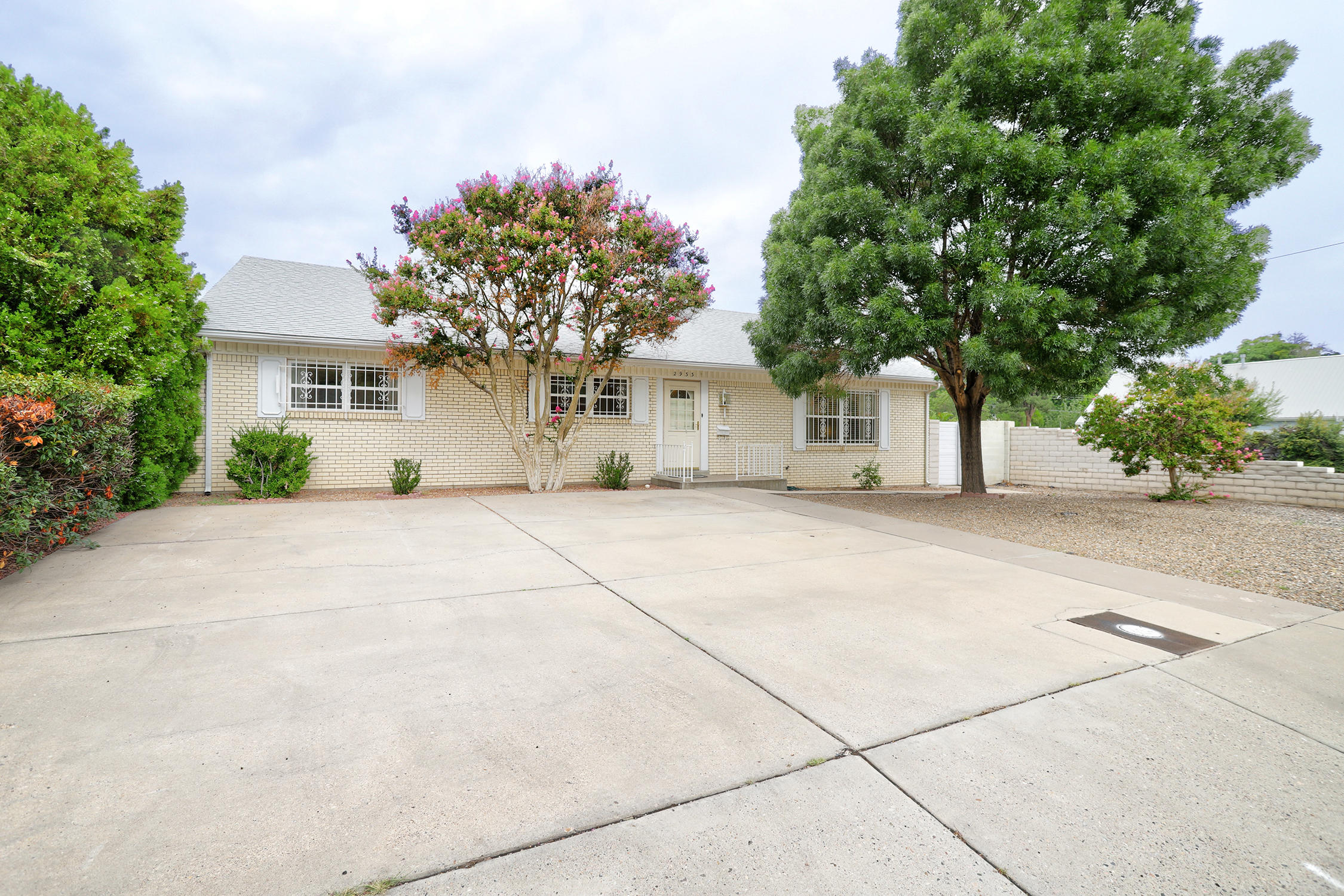 2933 San Pablo Street Ne Property Photo