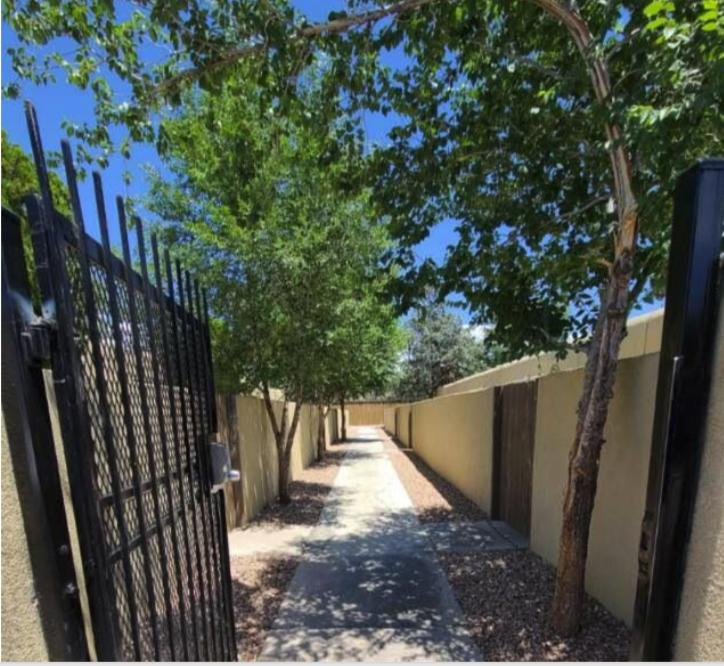 510 & 512 Mesilla Street Se Property Photo