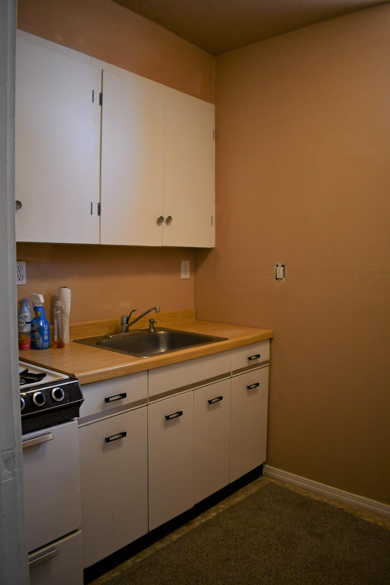 505 Manzanares Avenue Property Photo 8