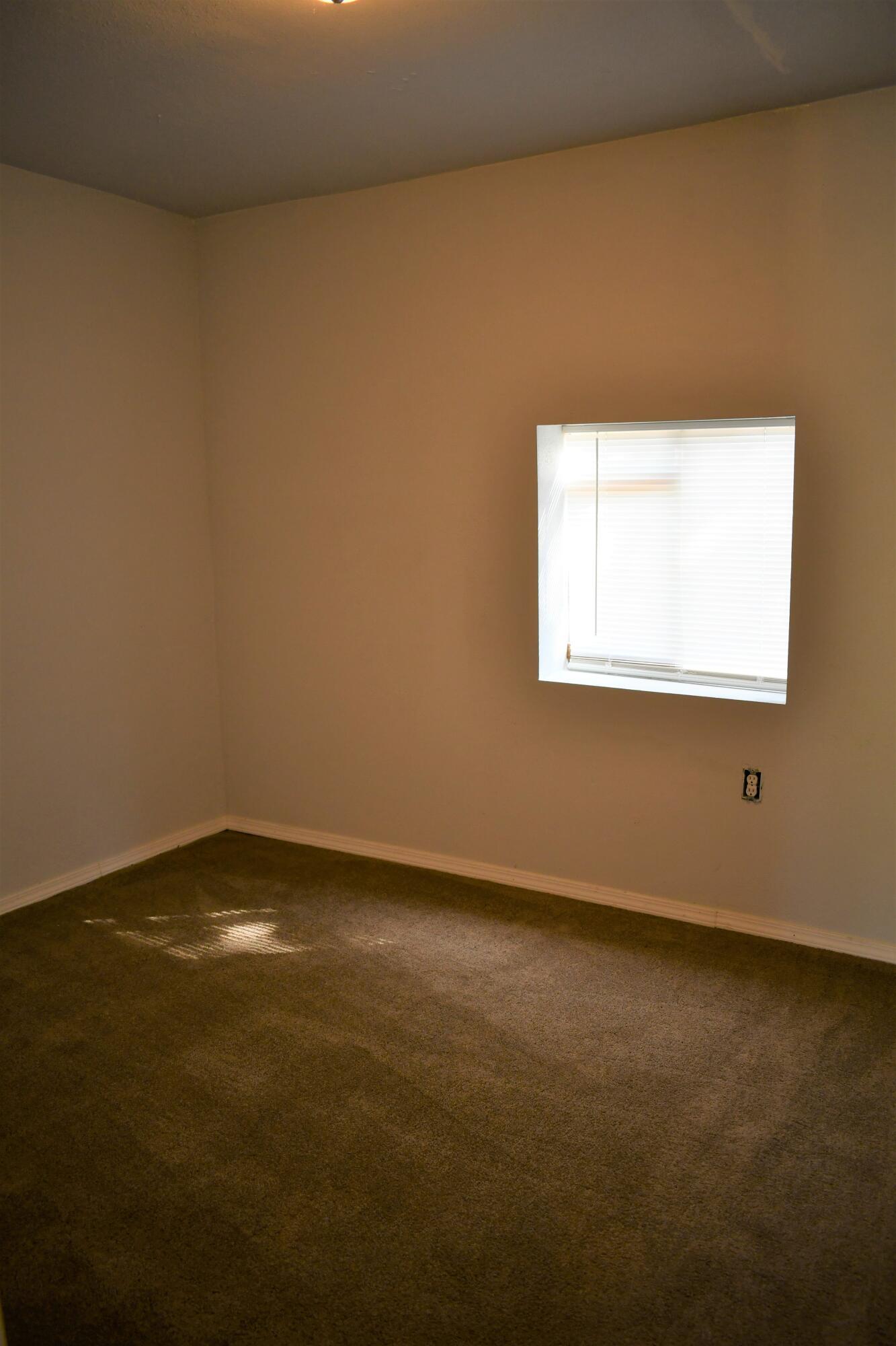 505 Manzanares Avenue Property Photo 10