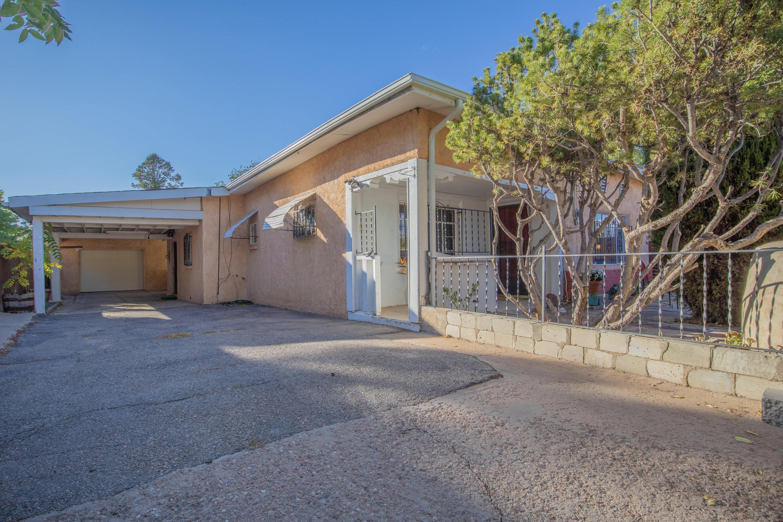 826 Pablina Street Property Photo