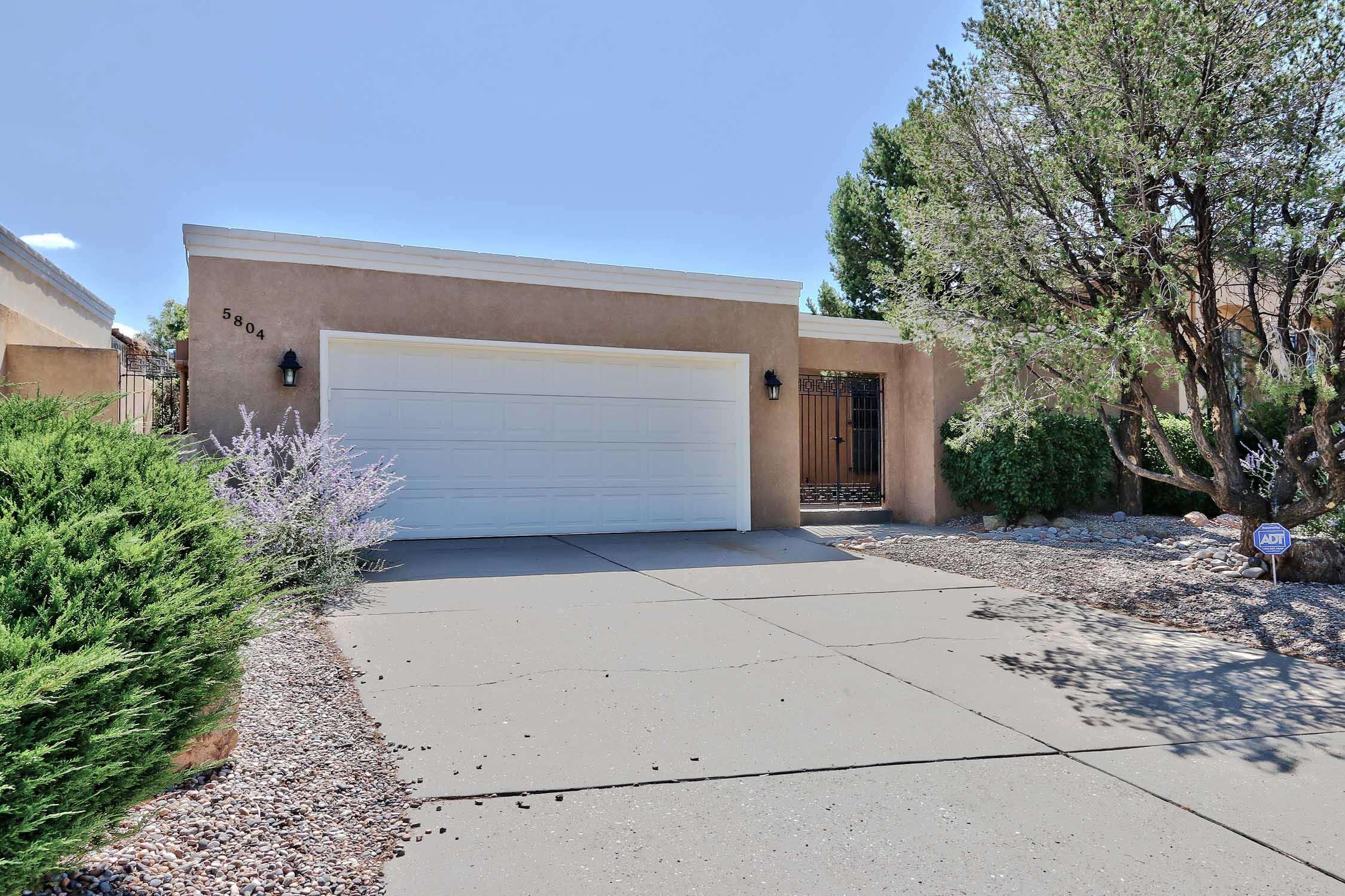 5804 Torreon Drive Ne Property Photo