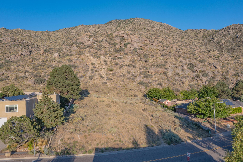 3200 Camino De La Sierra Ne Property Photo
