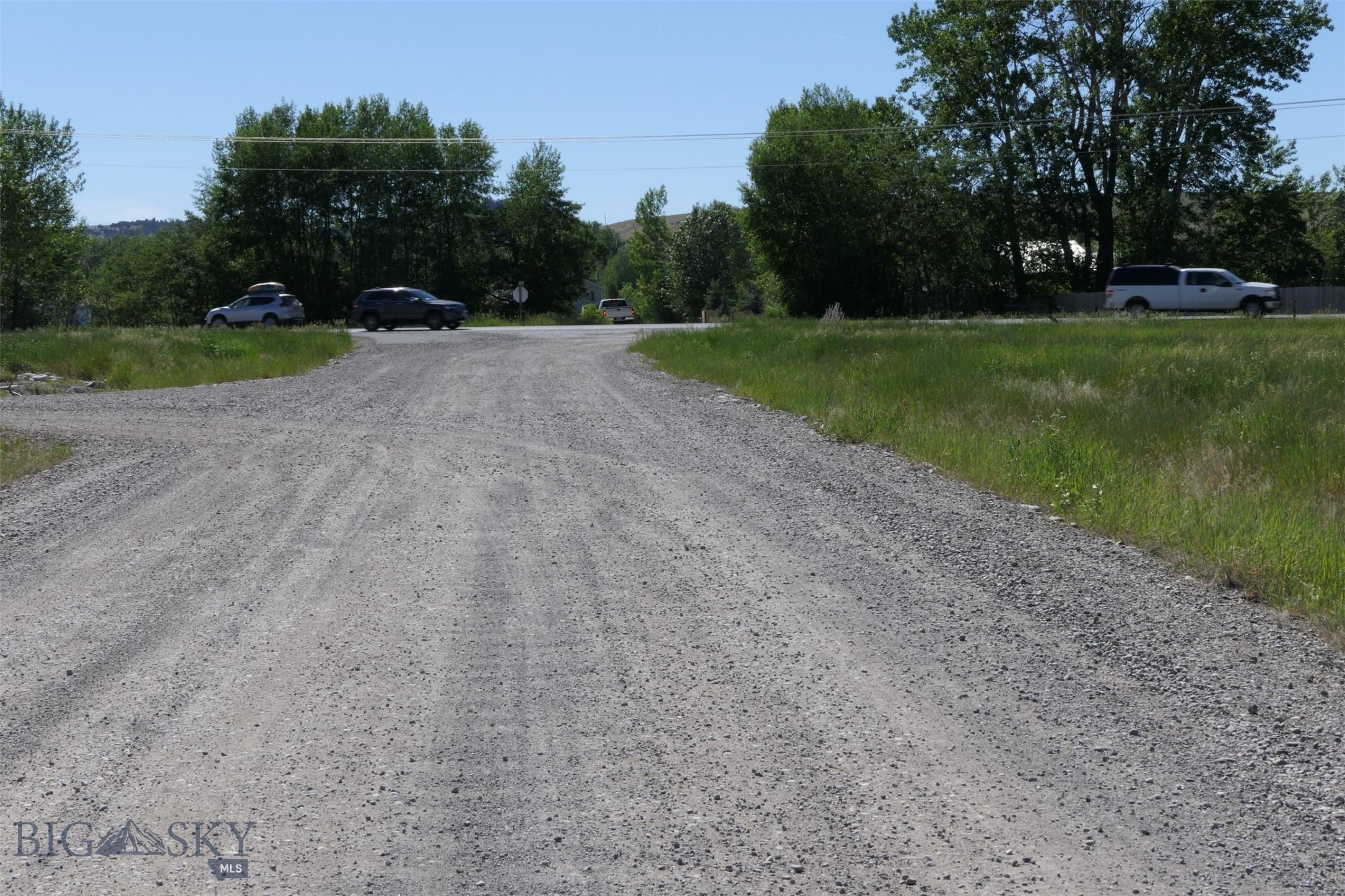 513 Yovich Drive Property Photo 1