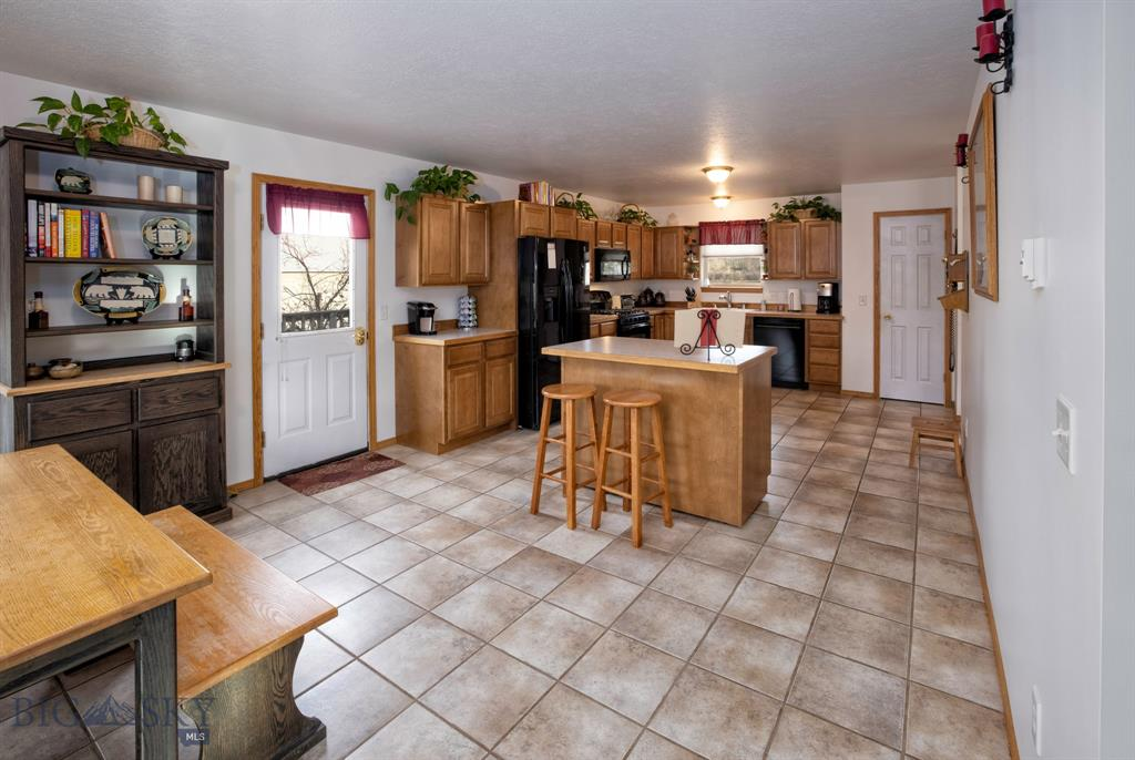 13830 Cottonwood Road Property Photo 11