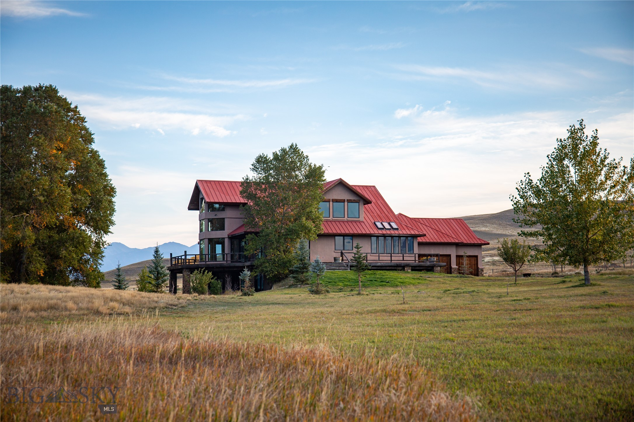 172 Shields River Road E Property Photo 1