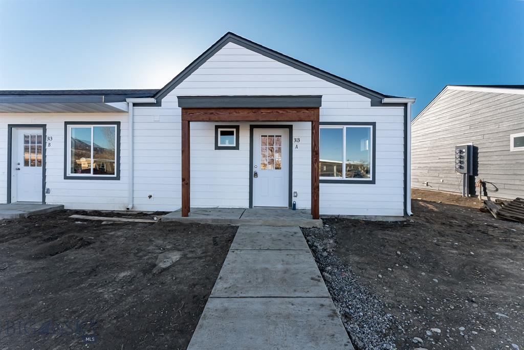 405 Brookline #C Property Photo 1