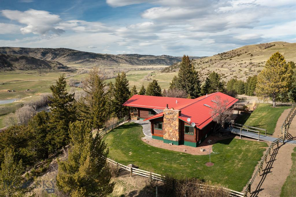 50 Susie Creek Road Property Photo 1